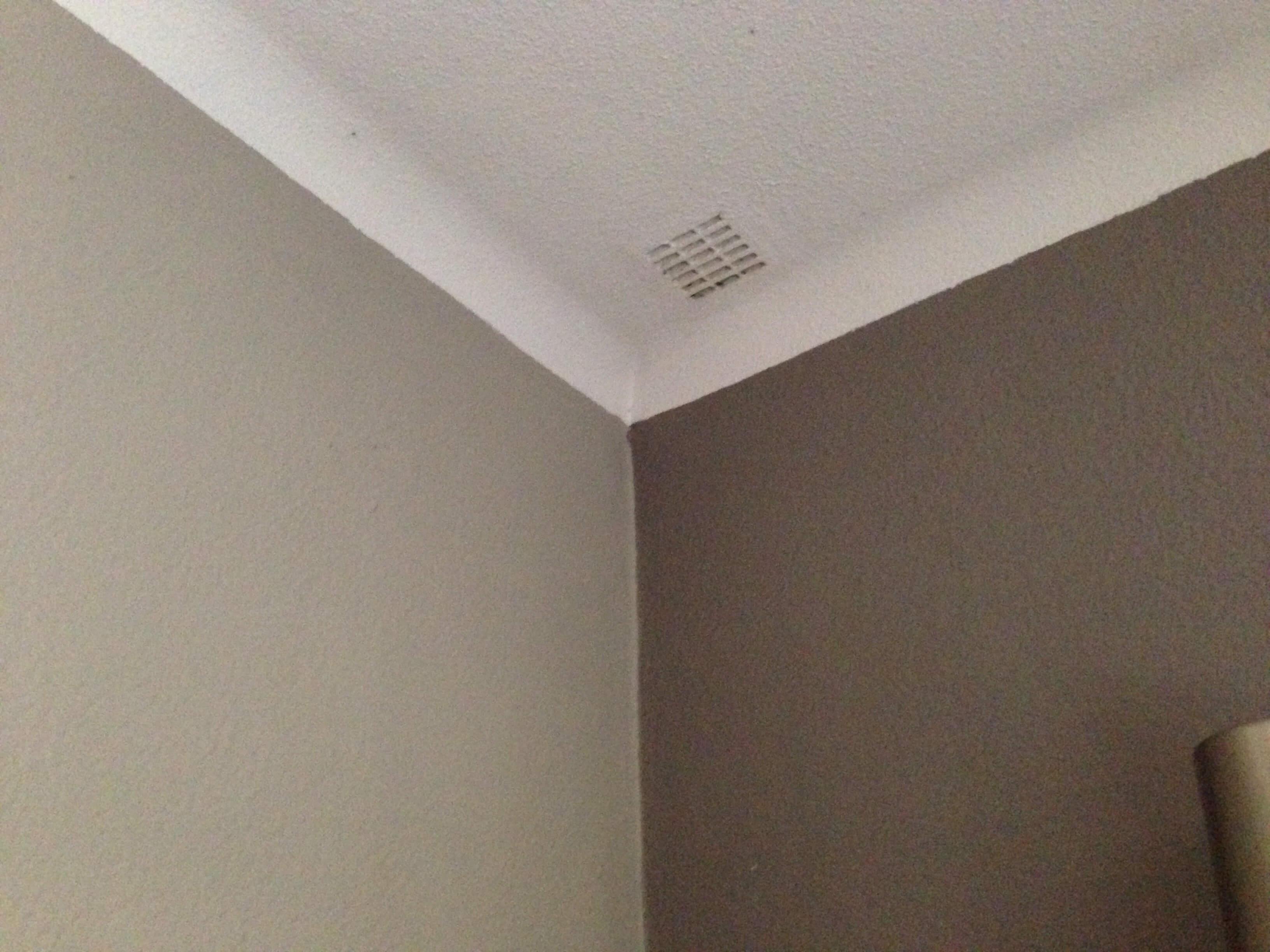comment enlever un arrondi mur plafond ? - Comment Enlever De La Peinture Sur Un Mur En Platre