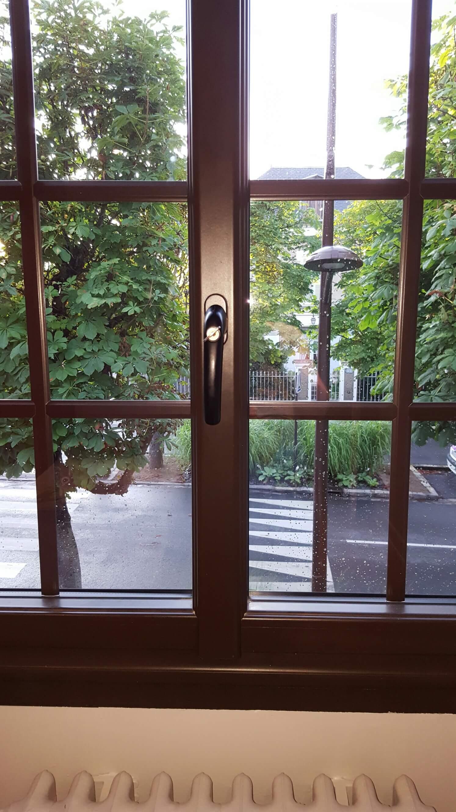 Je Narrive Plus à Ouvrir Ma Fenêtre Alu Bloquée En Position Fermée