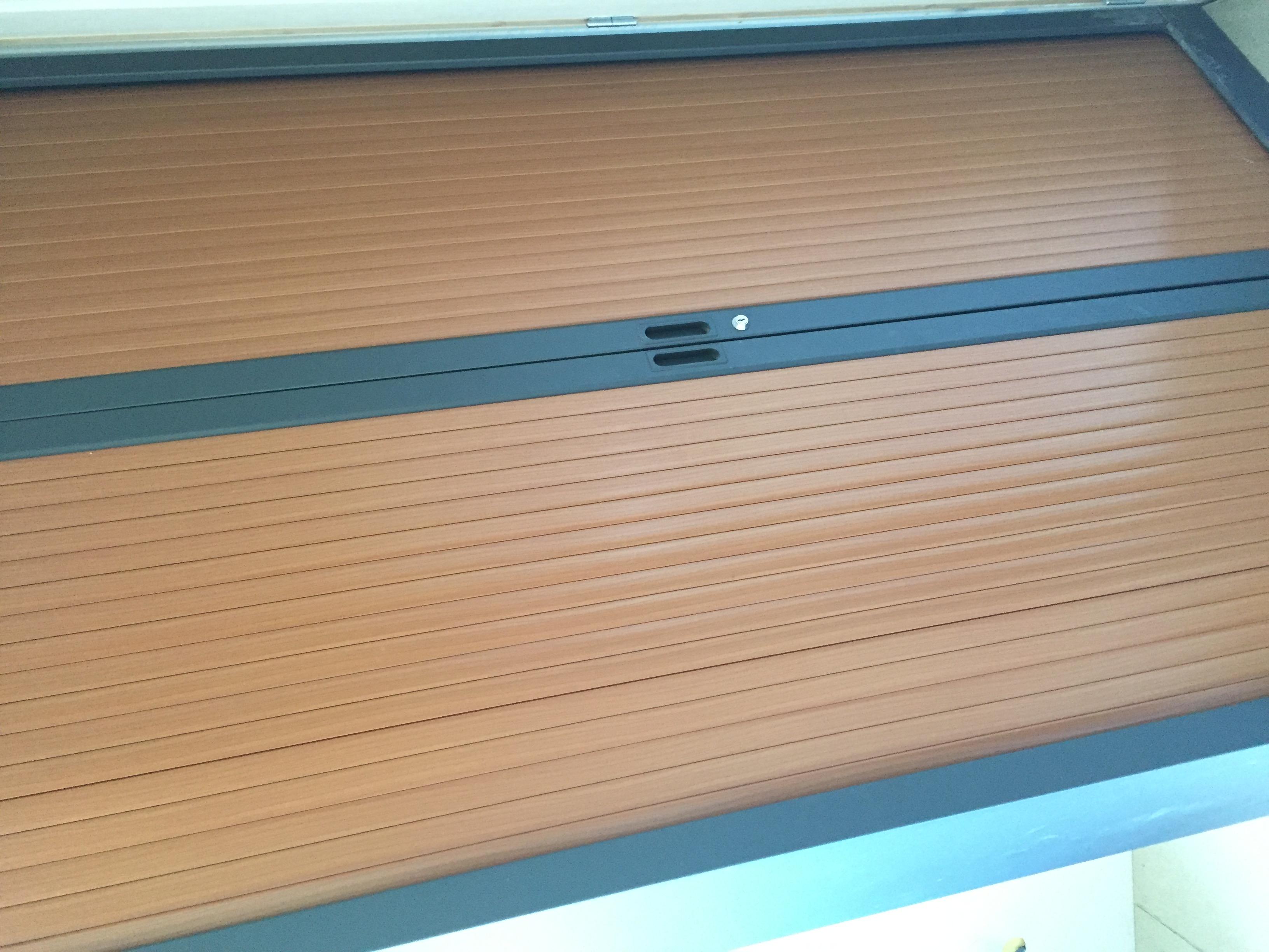 repeindre une armoire de bureau m tallique avec rideaux de. Black Bedroom Furniture Sets. Home Design Ideas